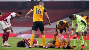 Premier League: Jogador passa por cirurgia no crânio após choque violento com David Luiz