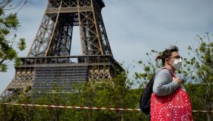 Fechada há pouco mais de um mês, Torre Eiffel reabrirá no próximo dia 16