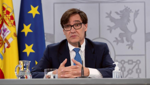 Espanha permitirá viagens e reuniões com 10 pessoas no Natal e Ano Novo