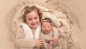 Bebê americana bate recorde ao nascer de embrião congelado há 27 anos