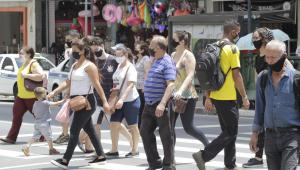 Brasil registra 64 mil novos casos de Covid-19; total é de 8,6 milhões