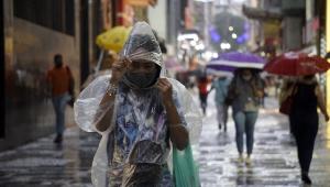 Chuva causa pontos de alagamento, mas deve dar trégua nos próximos dias