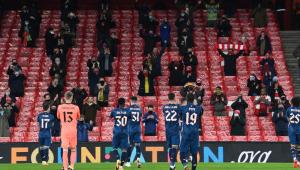 Arsenal goleia o Rapid Viena na Europa League com volta de torcedores ao estádio