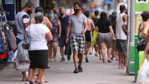No auge da pandemia, Brasil registra 1.641 novas mortes por Covid-19