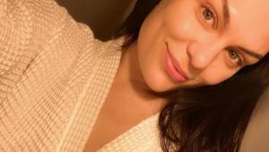 Jessie J acorda sem audição e tonta e é diagnosticada com síndrome de Meniére