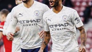 Manchester City bate o Southampton e se aproxima dos líderes no Inglês