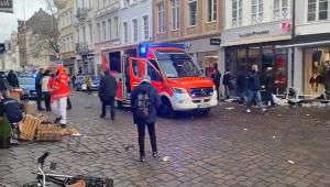 Carro invade zona exclusiva para pedestres em cidade da Alemanha e deixa 5 mortos