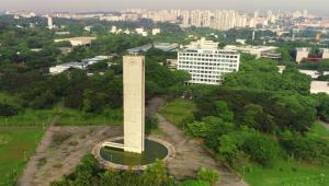 Universidade é centro de saber, não central ideológica, e está morta se não serve para transmitir conhecimento