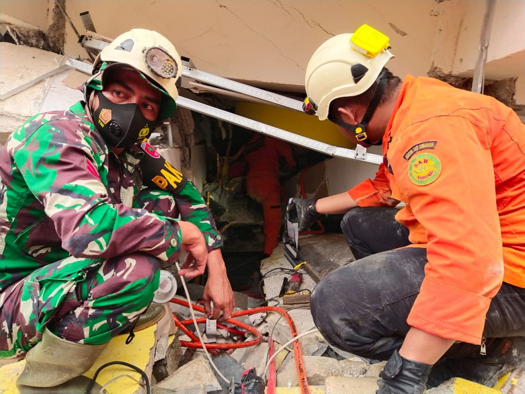 Pelo menos 34 pessoas morrem após terremoto na Indonésia – Jovem Pan