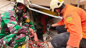 Pelo menos 34 pessoas morrem após terremoto na Indonésia