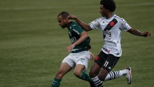 De olho na final da Libertadores, Palmeiras empata com Vasco no Brasileirão