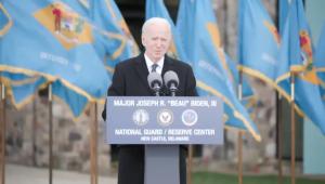 Biden faz discurso e se emociona antes de embarcar para posse em Washington D.C.