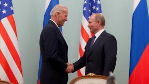 Primeira conversa entre Biden e Putin resulta em extensão do acordo nuclear