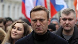 Após anunciar retorno à Rússia, Navalny é alvo de mandato de captura