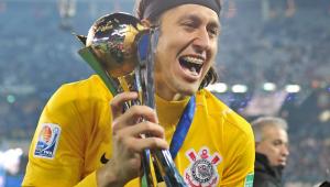 Próximo dos 500 jogos, Cássio recebe homenagem de ídolos do Corinthians; assista