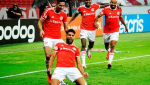 Inter vence Fortaleza e fica a um ponto do líder São Paulo