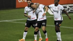 Corinthians vence Sport por 3 a 0 e segue na briga por uma vaga na Libertadores