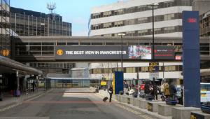 'Me sinto em uma prisão', diz residente brasileiro banido de voo no Reino Unido