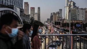 China alega que novo coronavírus foi detectado primeiro em outros países