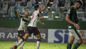 Flamengo vence o Goiás por 3 a 0 e entra no G4