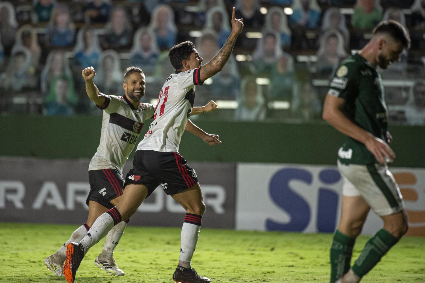 Flamengo vence o Goiás por 3 a 0 e entra no G4   Jovem Pan