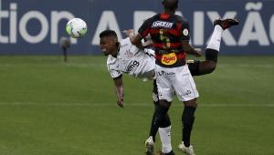 Jemerson torce o joelho e deve ter rara sequência de jogos interrompida no Corinthians