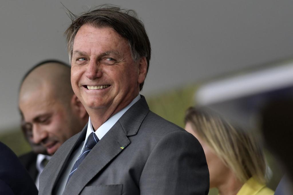 Bolsonaro descarta aval à venda de terra para estrangeiro – Jovem Pan