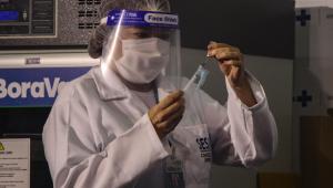 Saúde conclui distribuição da Coronavac e fala em compra de 'milhões de doses' de outros laboratórios