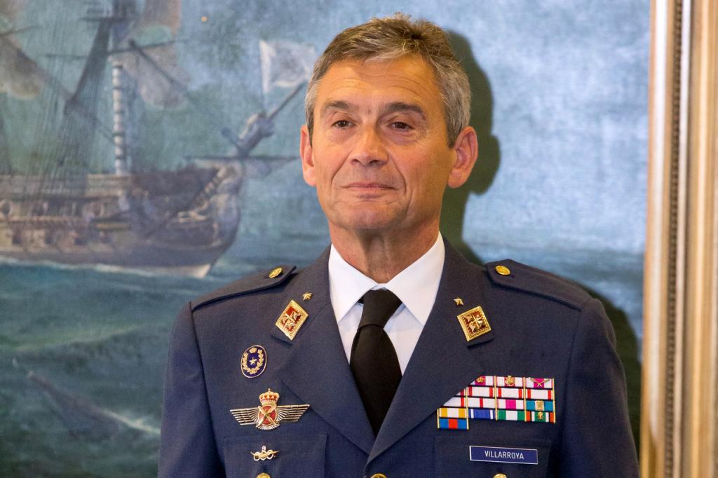 Chefe do Estado-Maior da Espanha pede demissão após furar fila da vacina – Jovem Pan