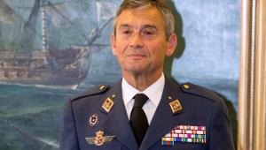 Chefe do Estado-Maior da Espanha pede demissão após furar fila da vacina