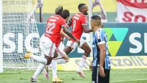 Brasileiro: Com gol no fim, Internacional vence o GreNal e abre vantagem na liderança