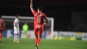 Internacional goleia o São Paulo por 5 a 1 e assume liderança do Campeonato Brasileiro