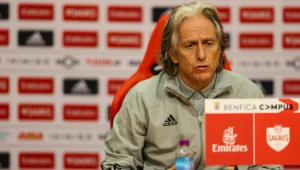 Benfica cancela entrevista de Jorge Jesus após treinador ter suspeita de infecção respiratória