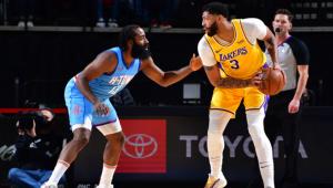 Lakers vencem Rockets e seguem na liderança da NBA; Durant brilha nos Nets