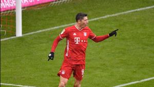 Melhor jogador do mundo pela Fifa, Lewandowski quebra recorde de 52 anos na Bundesliga
