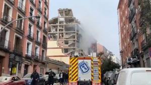 Forte explosão no centro de Madri, na Espanha, deixa prédio destruído