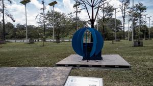 Memorial em homenagem aos mortos da Covid-19 sensibiliza o coração em tempos tão sombrios