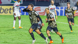 No Morumbi, Coritiba e São Paulo empatam em 1 a 1