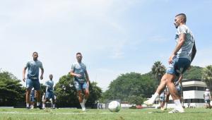 Recuperado da Covid-19, Alison treina e deve reforçar o Santos na final da Libertadores