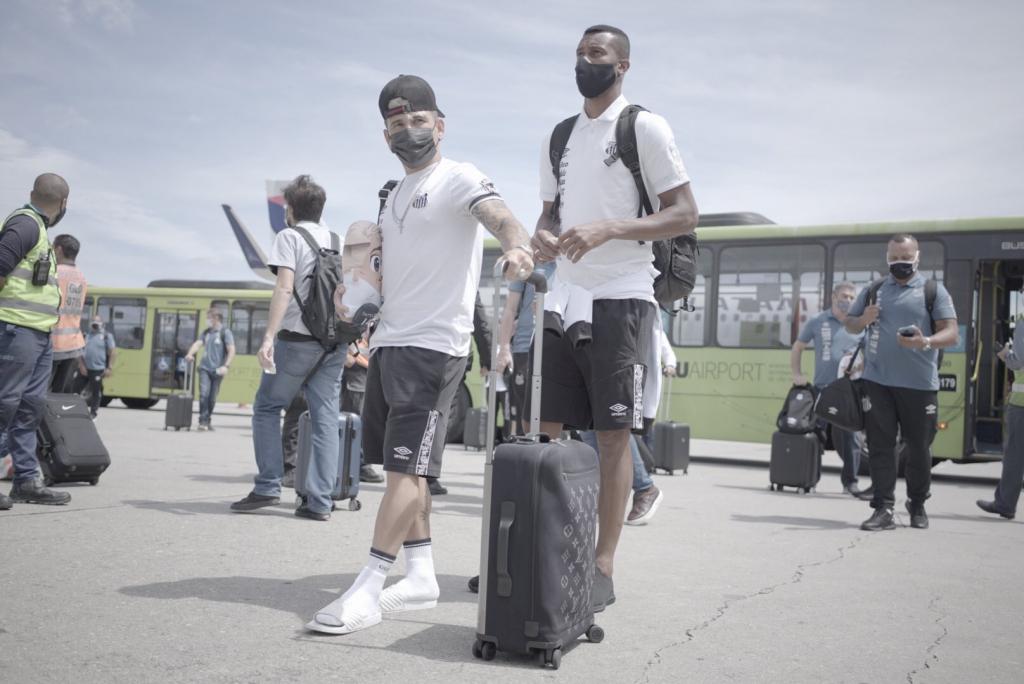 Santos recebe apoio da torcida antes de embarcar para o Rio de Janeiro – Jovem Pan