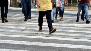 Já correu uma maratona hoje? Experimente atravessar uma rua em São Paulo