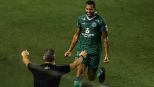 Na luta contra o rebaixamento, Goiás faz 4 e vence o Santos de virada na Vila Belmiro