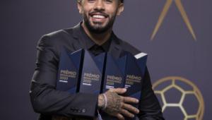 Premiação do Brasileirão: Claudinho leva 4 troféus e é destaque da noite; veja vencedores