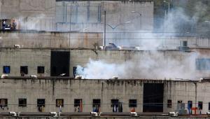 Três presídios no Equador foram palco de motins paralelos por disputa de poder entre organizações criminosas