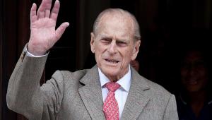 Príncipe Philip, de 99 anos de idade, é internado em hospital de Londres