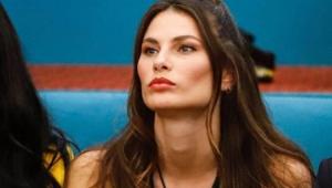 Modelo brasileira Dayane Mello fica em 4º lugar no 'Big Brother' da Itália