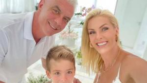 Curado do câncer, marido de Ana Hickmann fala de sequelas: 'Minha força desapareceu'