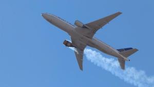 Após incidente nos EUA, Boeing recomenda suspensão de voos do modelo 777