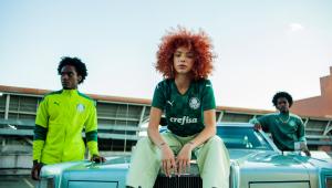 Com modelos negros, campanha de novo uniforme do Palmeiras é alvo de ataques racistas