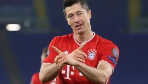 Robert Lewandowski comemora gol pelo Bayern de Munique